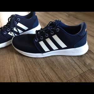 Women's Adidas Size 6 Cloud foam Blue and White